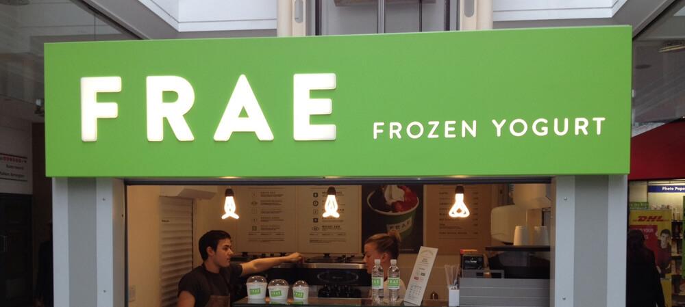 FRAE Frozen Yogurt illuminated tray