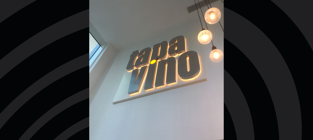 tapa vino internal illuminated signage