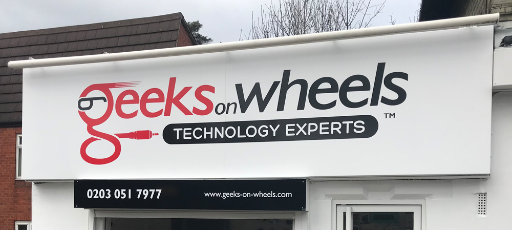 geeks on wheels store front sign